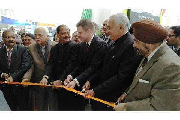 Ribbon Cutting to inaugurate the India Pavilion at MSV 2017 - ( from right ) Mr T S Bhasin, Chairman, EEPC India; Mr C.R. Chaudhary, Hon`ble Minister of State, Ministry of Commerce and Industry, Government of India; Mr. Jiri Havlicek, Minister of industry and Trade of the Czech Republic; Mr Raghubar Das, Hon`ble Chief Minister of Jharkand; Mr R V Deshpande, Minister of Medium and Large Industries, Government of Karnataka; and Mr Amit Khare, Additional Chief Secretary & Development Commissioner, Department of Planning cum Finance, Government of Jharkhand